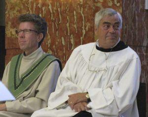 Acoliet Henk Bressers naast pastoraal werker Jan Eijken
